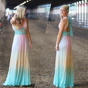 Gorgeous mermaid prom dress!!